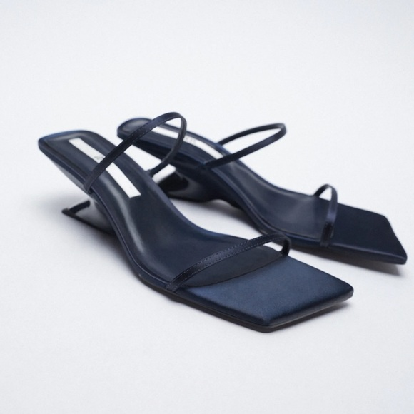 Zara thin strap wedge in navy 7.5